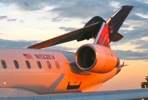 Tail damage to CRJ900ER N132EV
